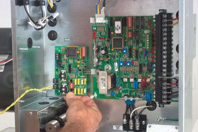 D Security Gate Door King Alarmsystemen, accessoires DoorKing Single Channel Loop Detector 9410-010 Rev Professionele uitruisting
